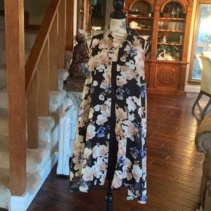 Mlle Gabrielle. Floral high low dress. SIZE: S